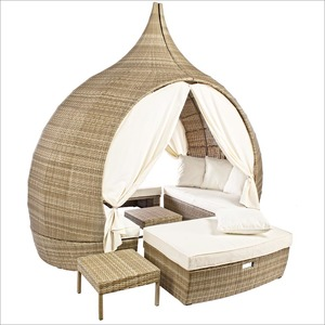 DAYBED PAGODA