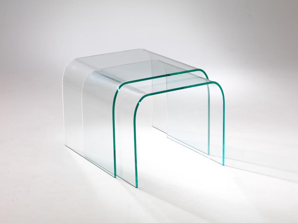 Coppia di tavolini rialto in vetro curvato qriosa stile for Tavolini vetro