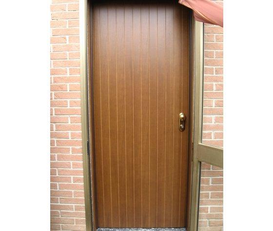 Porte Blindata in legno pantografato modello a doghe verticali