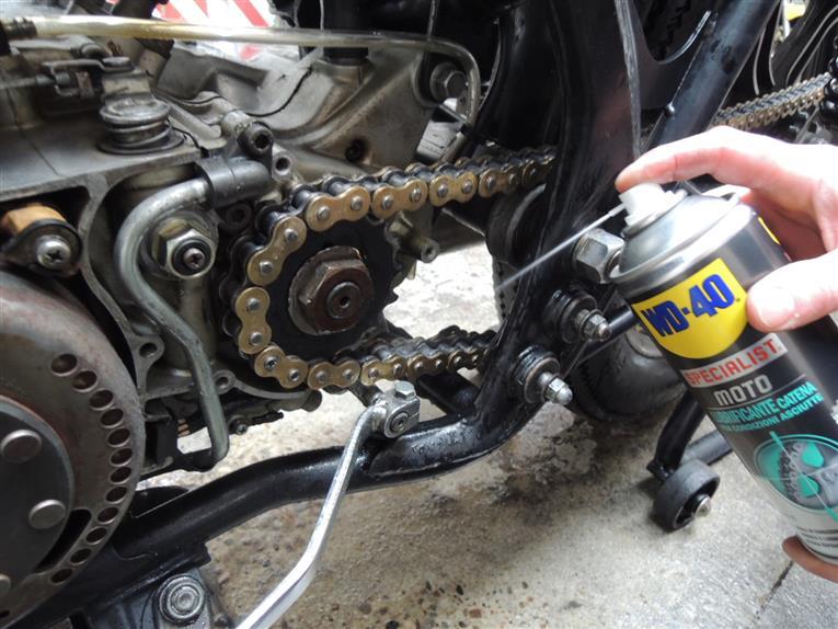 catena moto  Lubrificante catena moto condizioni asciutte wd40-400ml - MASSUCCO ...