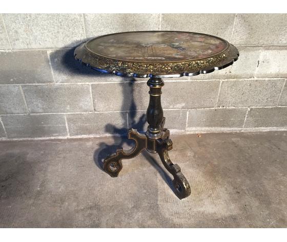 Elegante Tavolino Ovale Laccato Nero e Dipinto