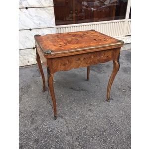 Elegante Tavolino da Gioco in Stile Luigi XV - Restaurato (in corso d'opera)
