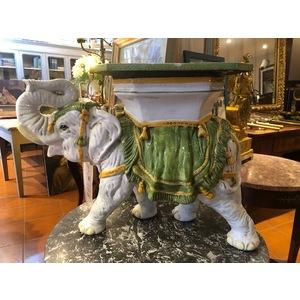 Elefante in Porcellana di Gusto Orientale (Grandi dimensioni)