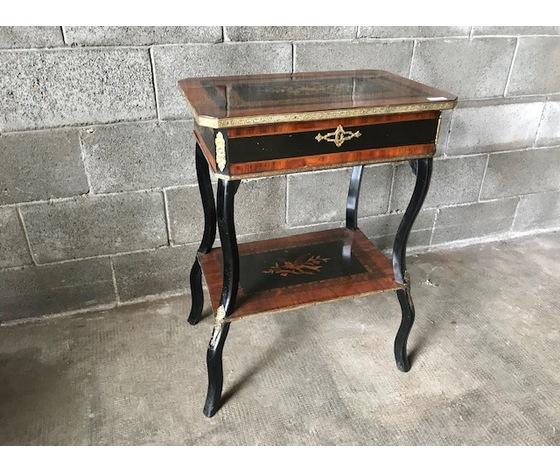 Elegante Tavolino da Salotto Napoleone III - Restaurato