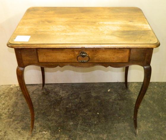 Antico Tavolino o Scrittoio con Gambe a Sciabola - Restaurato (in corso d'opera)