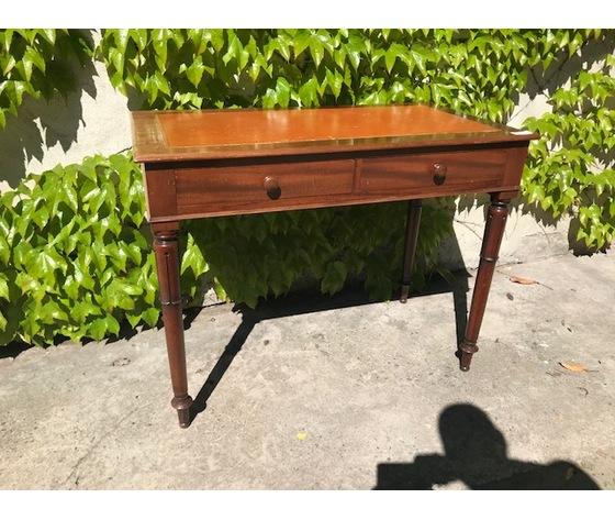 Tavolino in Mogano con Piano in Pelle - Restaurato