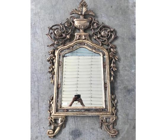 Antica specchiera Luigi XVI in legno scolpito e dorato a mecca - Restaurata (in corso d'opera)