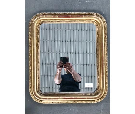 Specchiera Luigi Filippo in legno e pastiglia dorata a foglia - Restaurata