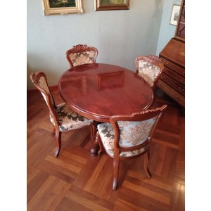 Antico Tavolo Inglese Ovale in Mogano