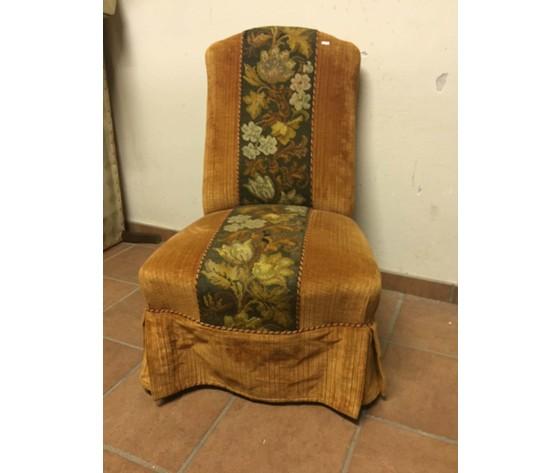 Antica Poltroncina da Camera in Velluto - Andrea\'s Antichità