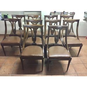 Serie di 10 sedie a Gondolle  in noce, filettate in bosso - Foderate in bianco