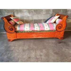 Antico ed Elegante Divano/Chaise-Longue Biedermeier - Restaurato (in corso)
