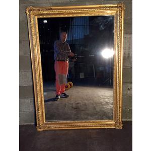 Antica ed Elegante Specchiera in Legno e Pastiglia con Specchio Originale