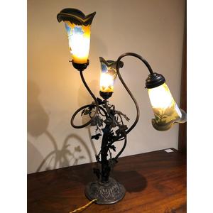 Elegante Lampada Liberty a Tre Tulipe Gallè - Ricondizionata