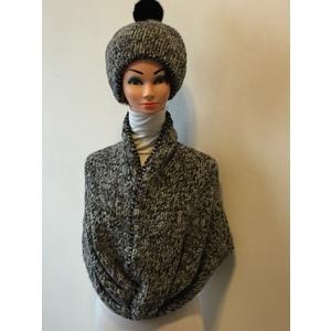 Parure berretto lana melange+ pom pon eco pelo nero+ ponchio lana menalge