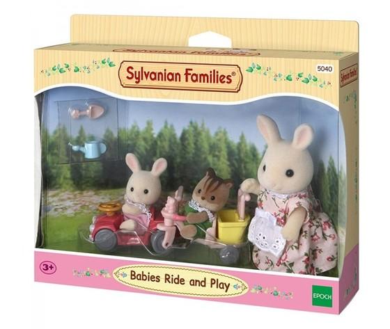 Sylvanian Families 5040 - Mamma e Bebè con Auto e Triciclo