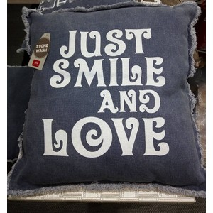 "CUSCINO ARREDO 50X50 ""Just smile and Love"" cielo"