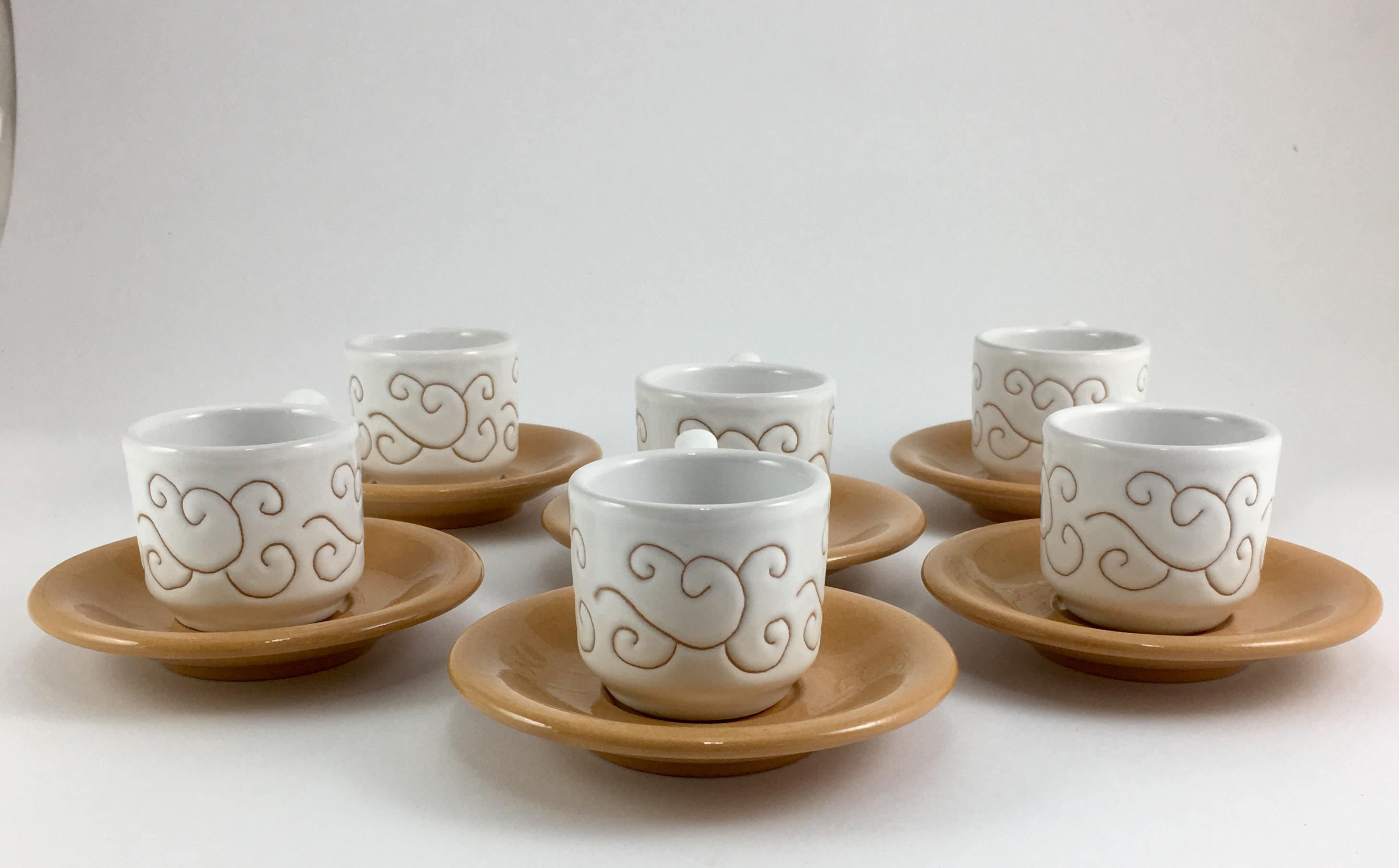 tazze da caffè verde terra