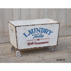 Carrello lavanderia in legno decorativo