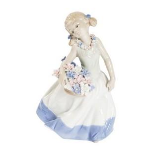 ragazza porcellana mazzo fiori