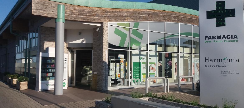 Foto esterno farmacia terziotti