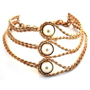 collana collarino alto rigida con perle