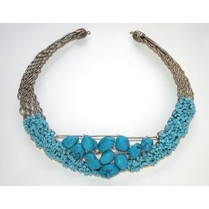 collana girocollo  filo metallico ricamata turchese