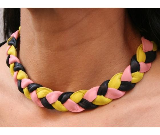 Collana girocollo in pelle intrecciata colore nero, giallo, rosa