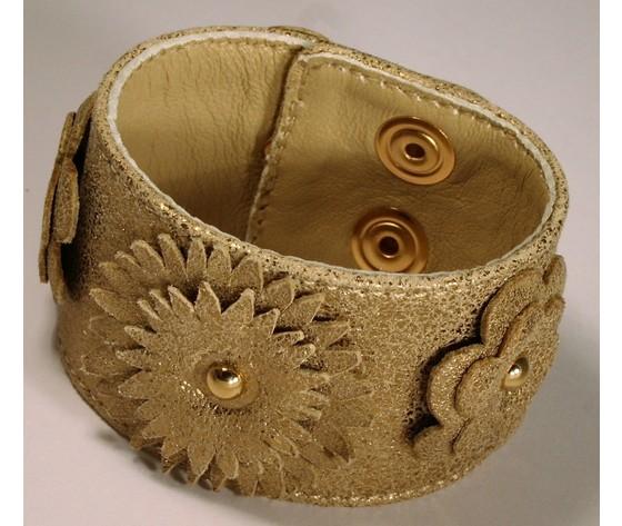 Bracciale in pelle dorata satinata con fiori fronte