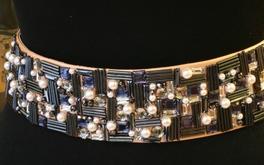 Cintura in nappa cipria ricamata col. antracite e perla